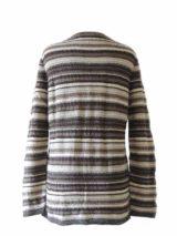 Damesmode, gebreid vest met kleurige strepen, uitgevoerd in luxe super zachte baby alpaca, met ronde hals.
